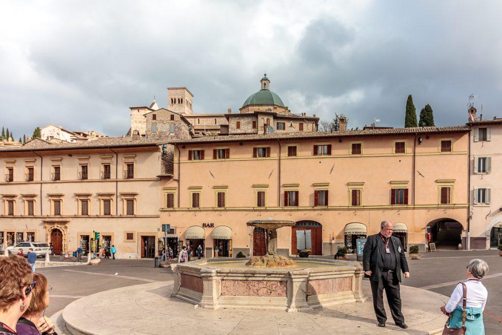 Piazza of Basilica di Santa Chiara