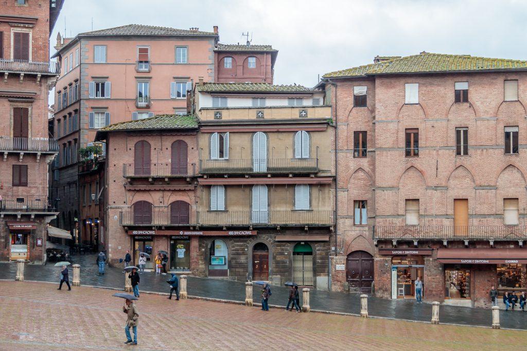 Scenes at Piazza Pubblico